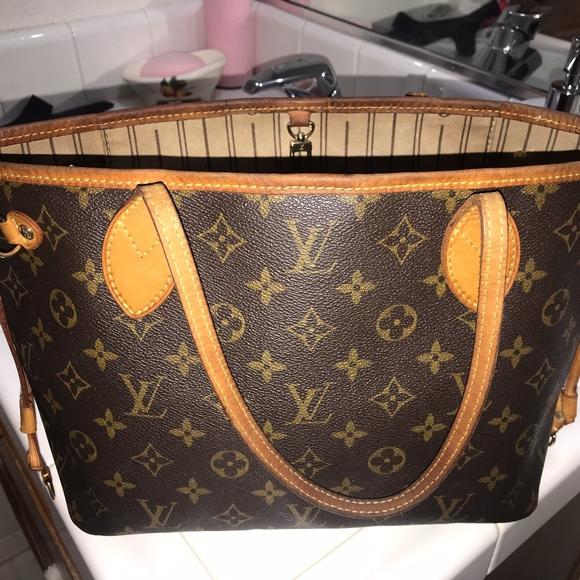 Louis Vuitton Handbags - Louis Vuitton Neverfull PM